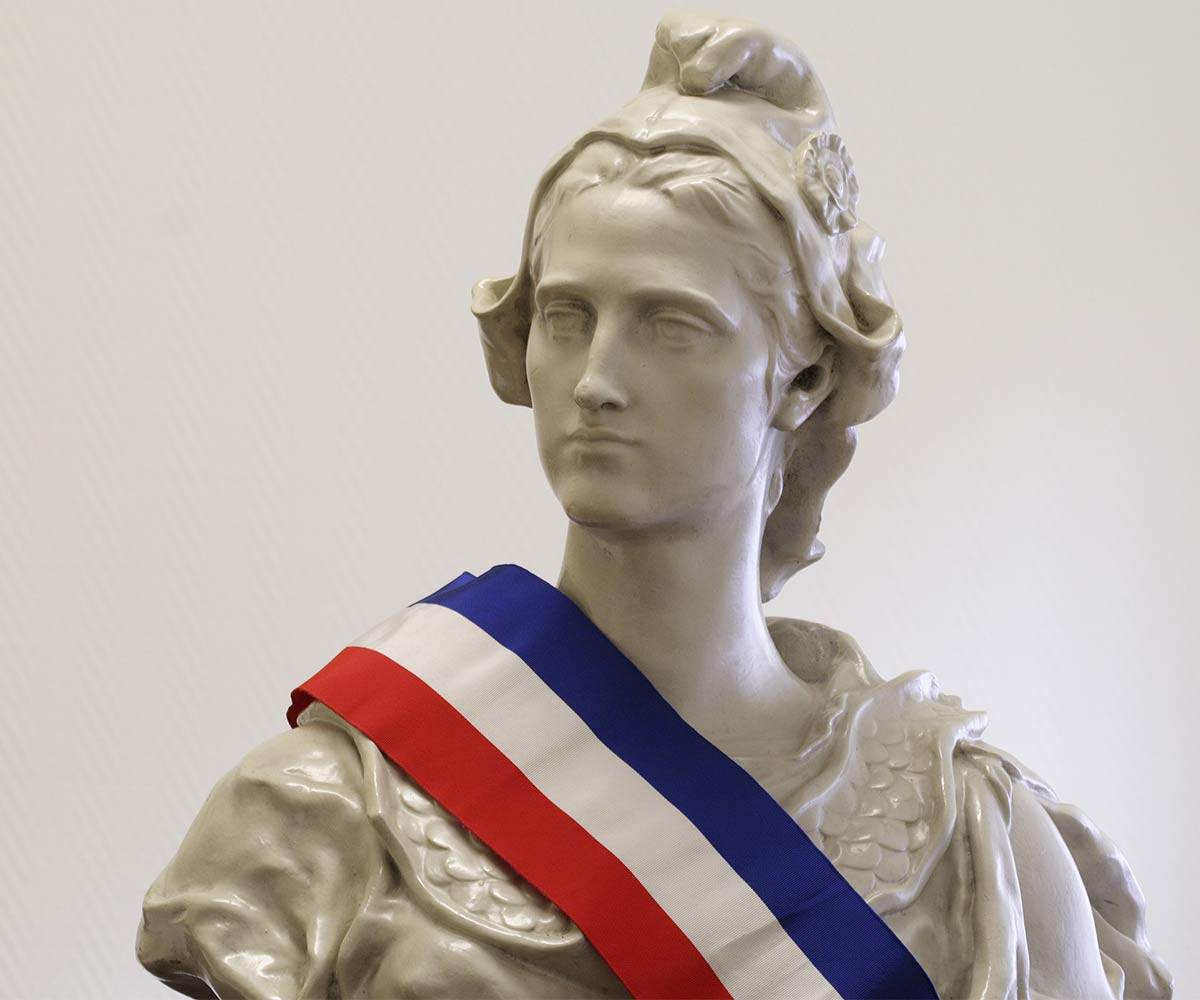 https://www.soufflenouveau-plessis-robinson.fr/storage/2019/11/marianne-conseil-municipal.jpg