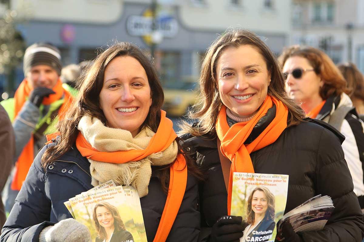 Alice Le Moal, présidente du Modem 92 en campagne sur le terrain aux côtés de Christelle Carcone, candidate à la mairie du Plessis-Robinson
