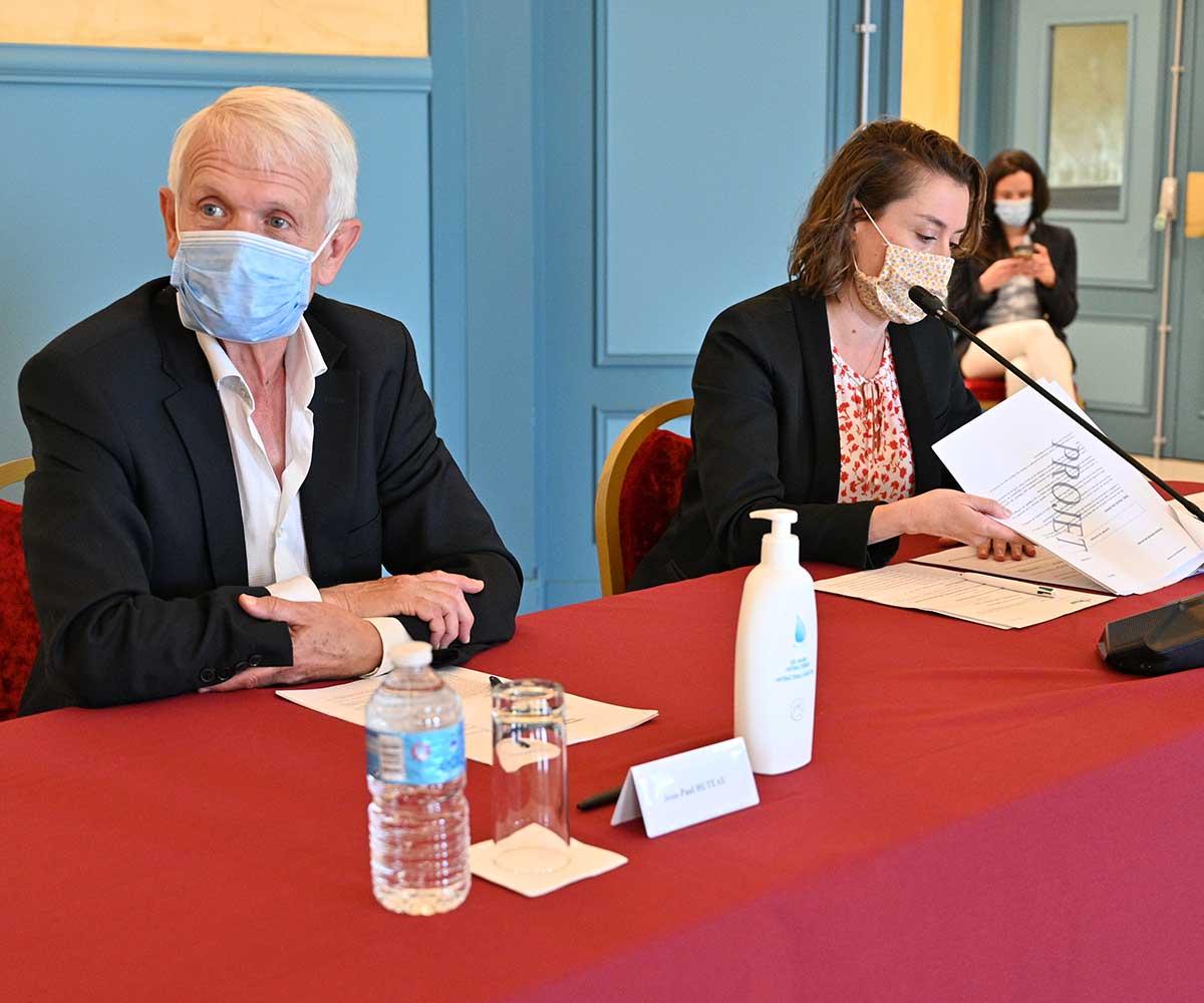 christelle Carcone et Jean-Paul Huteau, élus d'opposition au conseil municipal du Plessis-Robinson